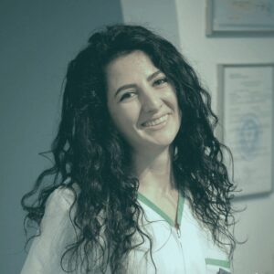 dr Raluca Puchiu @ clinica stomatologica CriniDent Craiova