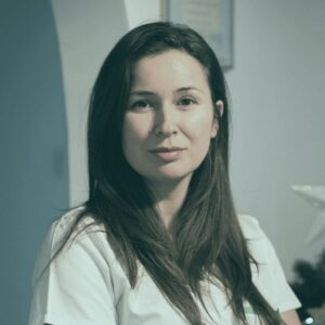 dr Simona Corodescu @ clinica stomatologica CriniDent Craiova