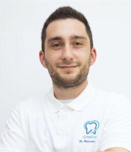 dr Razvan Ghita - stomatolog / dentist @ clinica CriniDent Craiova